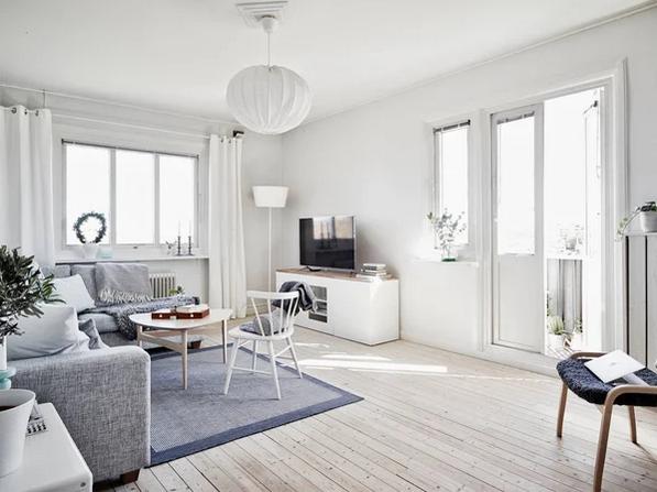 Простые, но элегантные столы и стулья
