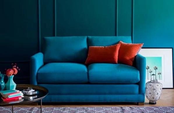 Компактный, но мягкий диван