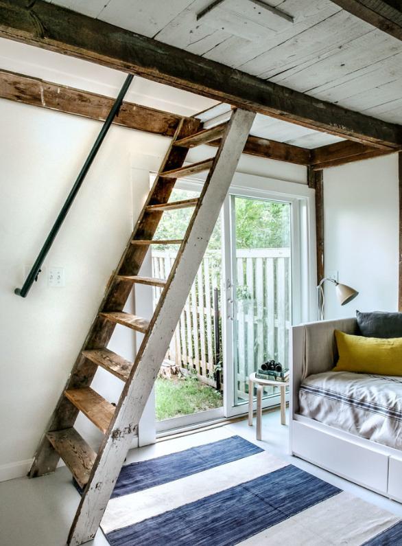 Аутентичная лестница